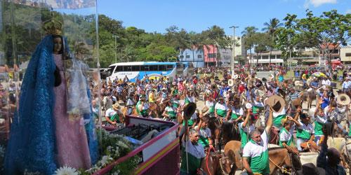 Romaria dos Cavaleiros abre a Festa da Penha